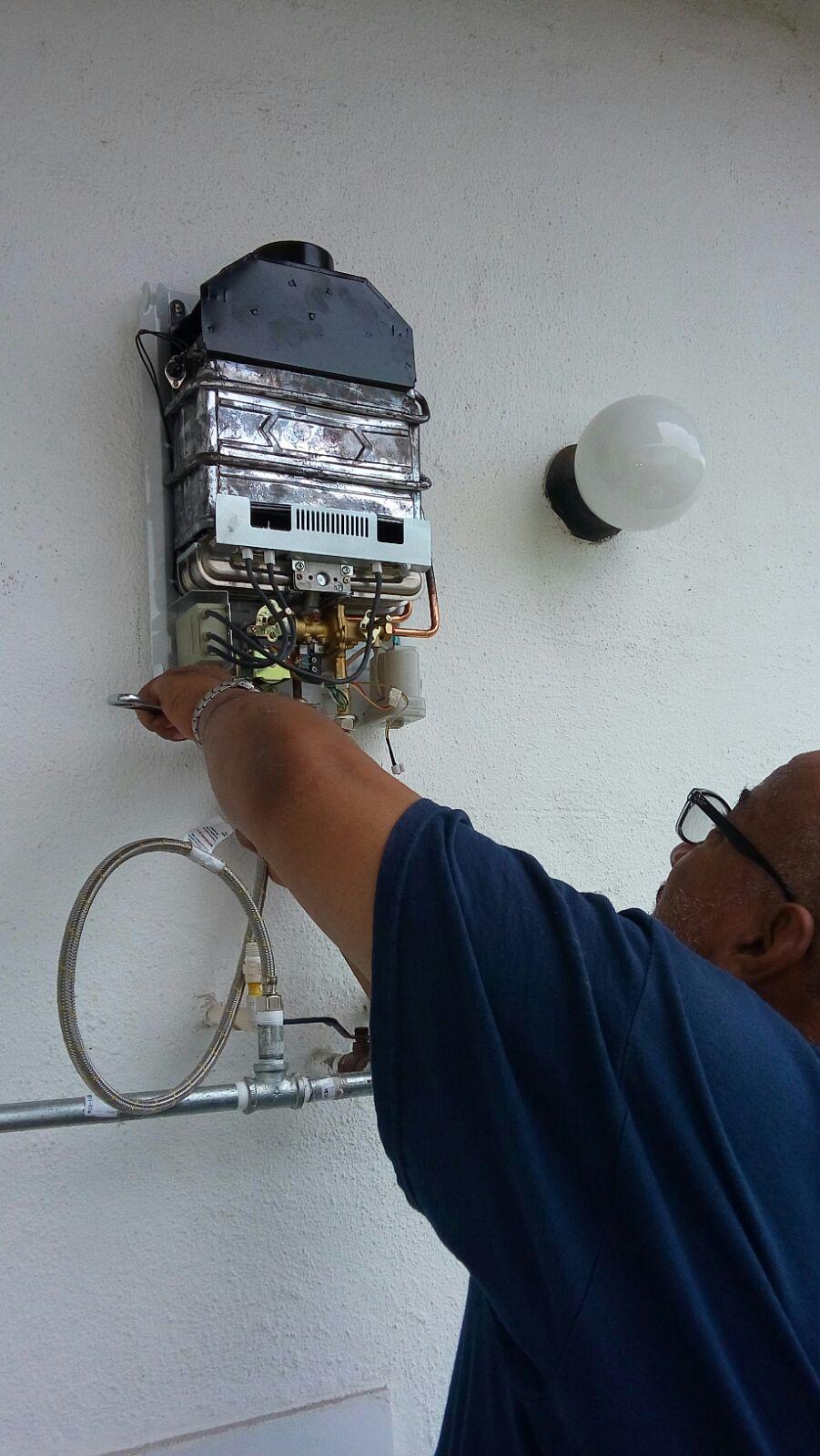Instalación de Calentador de Agua